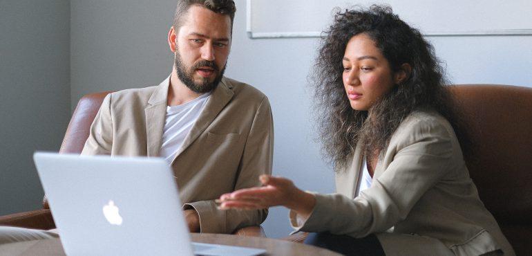 Recenziile si dezvoltarea afacerilor